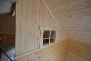 ロフト小窓